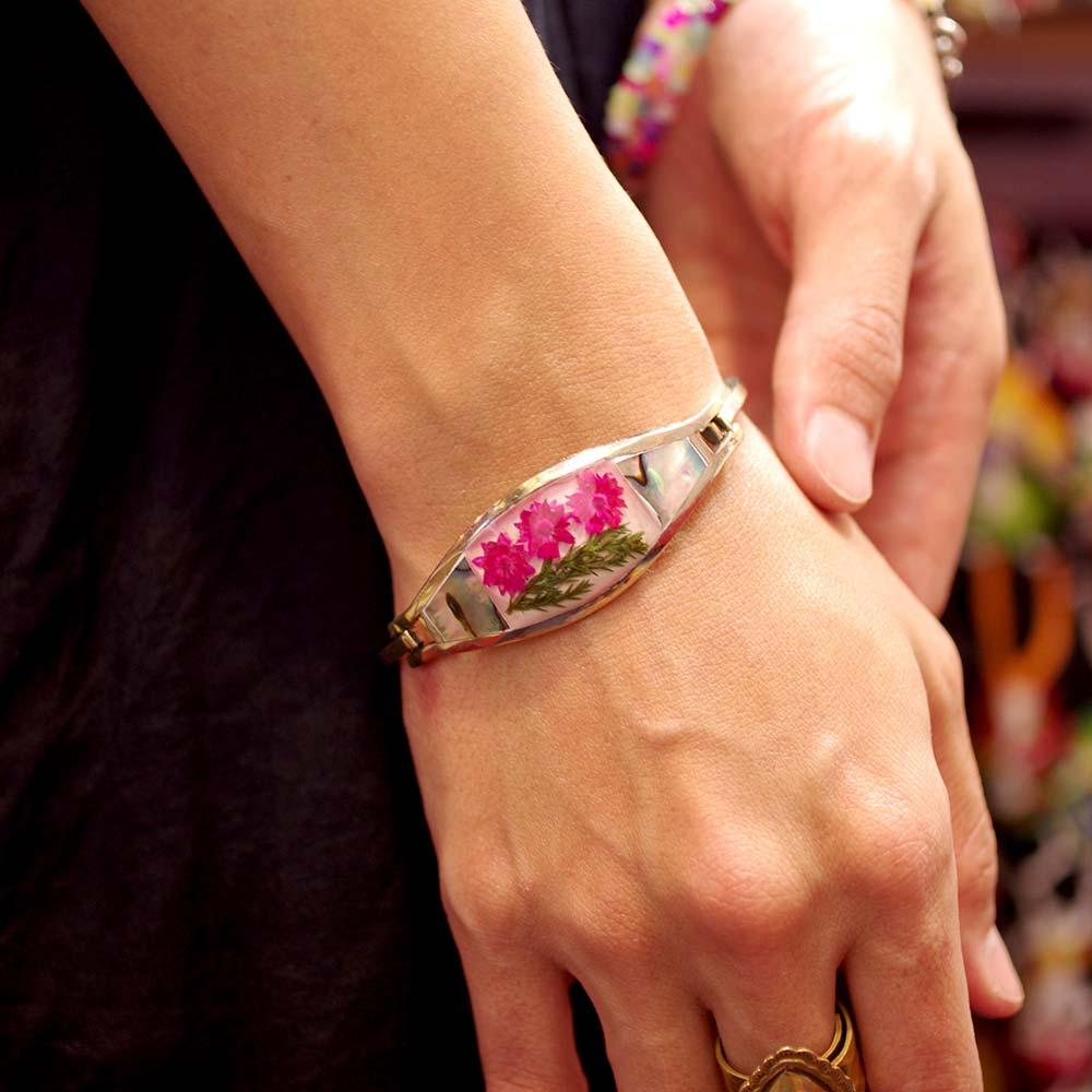 メキシコ アクセサリー ブレスレット 貝殻 貝 シェル フラワー エスニック ブレス バングル お花入り 押し花 生花 お花 レトロ 手作り ハンドメイド